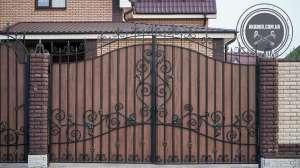 Ворота и калитки из профнастила с элементами ковки - изображение 1