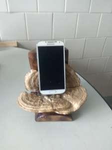 Дерев'яні підставки під телефон - изображение 1