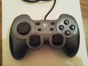 Игровой манипулятор. Logitech RumblePad ™ 2 - изображение 1