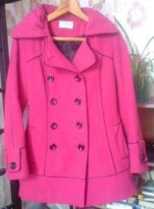 Малиновое пальто женское яркое выше колен - изображение 1