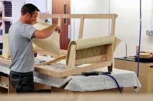 Нужны рабочие в цех по перетяжке мягкой мебели - изображение 1