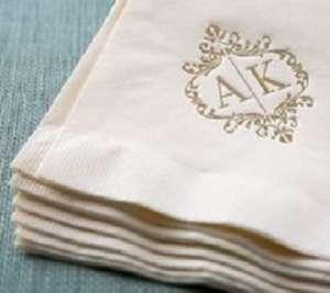 Полотенца с вышивкой на заказ рисунок на полотенце заказать логотип на полотенце - изображение 1