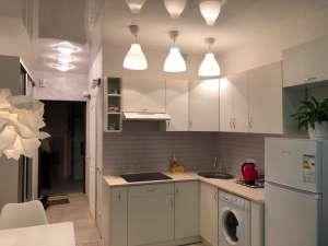 Продается 1 комн. квартира в городе Киеве - изображение 1