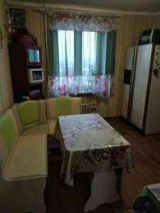 Продам 3-х комнатную квартиру на Батицкого - изображение 1