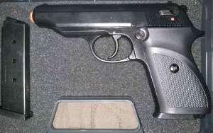 Стартовый пистолет sur 2608 (чёрный) плюс запасной магазин. - изображение 1
